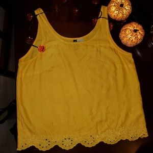 Tank top by H&M pre owned.Size 6